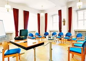 franziskanerkloster-frauenberg-seminarraum-psychosomatische-grundversorgung-seminar-kurs-seminarorganisation-fuchs
