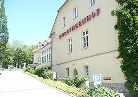 hotel-dorotheenhof-frontansicht-psychosomatische-grundversorgung-seminar-kurs-seminarorganisation-fuchs