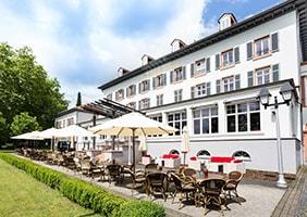 kurhaushotel-terrasse-psychosomatische-grundversorgung-seminarorganisation-fuchs