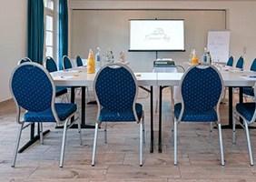 nassauer-hof-seminarraum-psychosomatische-grundversorgung-seminar-kurs-seminarorganisation-fuchs